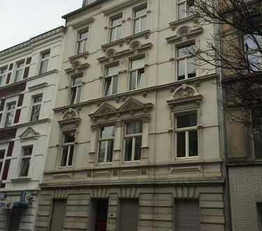 Schöne Wohnung in denkmalgeschütztem Altbau - Sehr zentral!