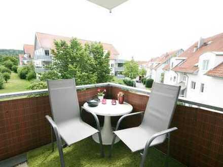 Tolle Familienwohnung mit neuem Laminat, Balkon und Einbauküche!
