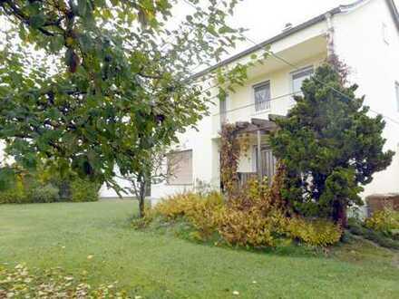 Charmantes Einfamilienhaus mit Baugrund in Augsburg-Bergheim