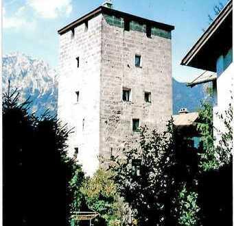 Einmalige Gelegenheit, wohnen in historischem Stadtturm !!