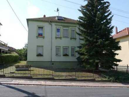 Gepflegte 4-Zimmer-Erdgeschosswohnung mit EBK, Wintergarten und großem Garten in Meißen
