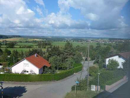 360° Besichtigung - Erstbezug nach Sanierung, geräumige drei Zimmer DG-Wohnung in Marbach