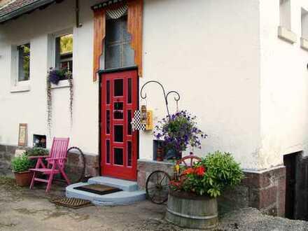 Wochenendhaus mit großem Kunst-/Arbeits-Atelier in Straubenhardt