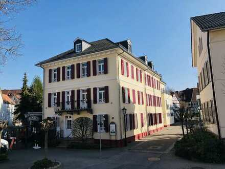 Bad Soden, alter Ortskern: Modernes Büro/Praxis in gesuchter Liegenschaft