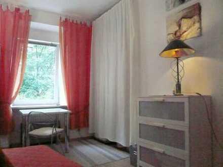 Zimmer, zentral an Wochenendheimfahrer/-in, ab Okt. '16