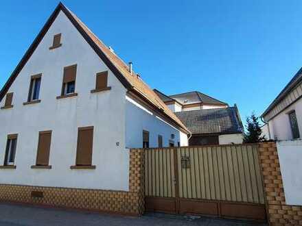 Wohnhaus mit Scheune und Garage in gefragter Lage