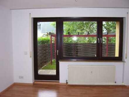 3,5 Zimmer – Wohnung mit Balkon, Terrasse, Garten, Tiefgaragenstellplatz in 71334 Waiblingen