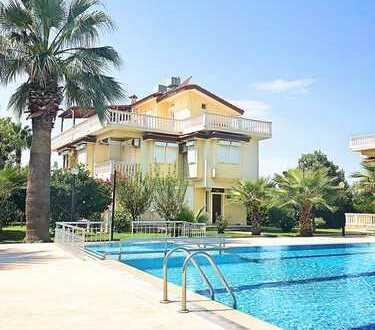 ***Familiengerechtes Traumhaus mit Pool an der Mittelmeerküste***