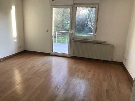 Hochwertig renovierte Wohnung in ruhiger Wohnlage in Eppelborner OT