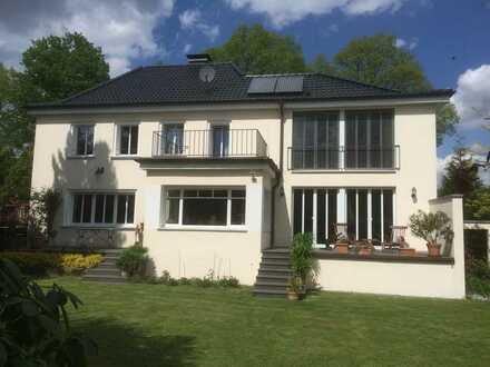 Eine Oase für Familien in Greven: Sonniges, gepfegtes Einfamilienhaus mit Kamin und EBK