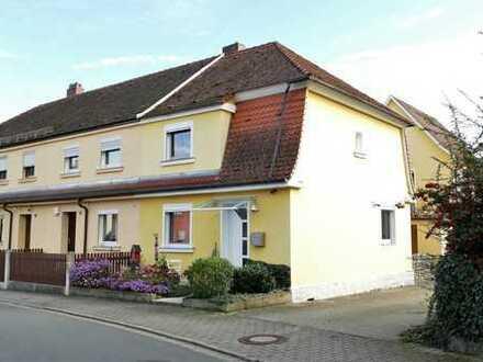 Bezugsfertige Immobilie mit zwei Terrassen und Garten für die ganze Familie