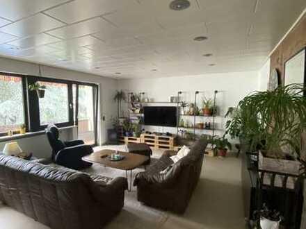 Freundliche 4-Zimmer-Wohnung mit Balkon und EBK in Mainz