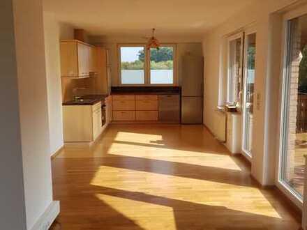 Vollständig renovierte 4-Zimmer-DG-Wohnung mit Balkon und EBK in Ahaus