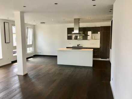 Erstbezug nach Sanierung mit Einbauküche: exklusive 4-Zimmer-Wohnung in Filderstadt