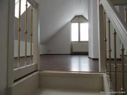 Schöne 3-ZKB-Maisonette-Wohnung im DG mit Balkon in Langweid am Lech
