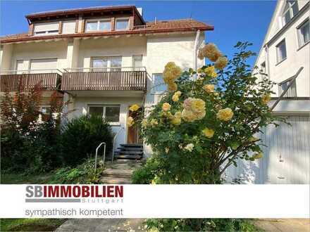 Einfamilienhaus als DHH mit Garten und Garage in einer Top-Lage von Stuttgart-Vaihingen (Rosental) !