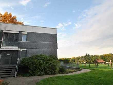 Erstbezug nach Renovierung: großzügige Wohnung im Hochparterre mit Balkon in Brenschede
