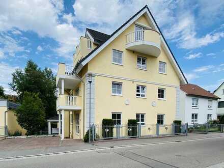 Exklusive, gepflegte 4-Zimmer-Wohnung mit EBK und Balkon in Neuhausen