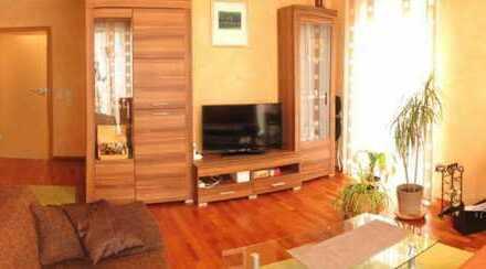Moderne 4-Zimmer-Wohnung mit Terrasse und kleinem Garten in Danziger Straße, Erlangen