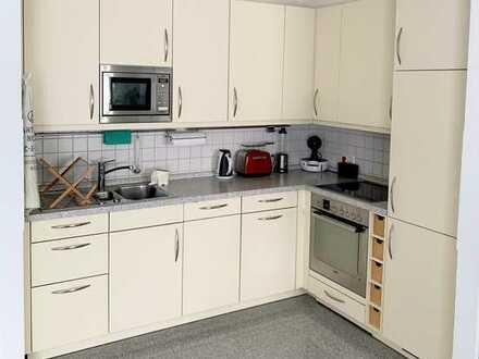 Gepflegte 2,5-Zimmer-Wohnung mit Balkon in Westhoven, Köln