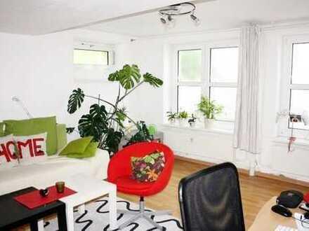 3 Zimmerwohnung - zentral & ruhig im Hinterhaus mit Einbauküche