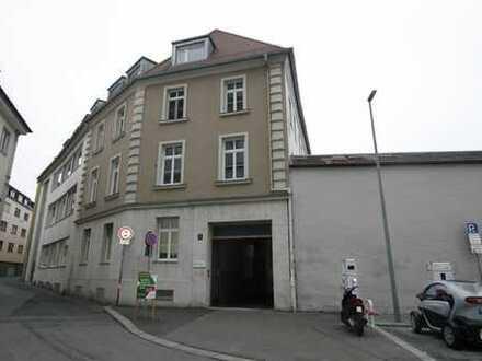 Kernsanierte hochwertig ausgestattete 3,5-Zimmer-Mietwohnung in der Innenstadt