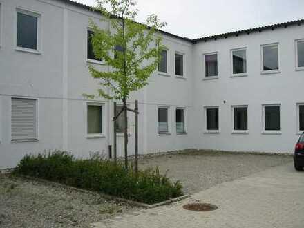 helle Büroräume im Rückgebäude an der Hauptstrasse zwischen Mühldorf und dem Ortsteil Altmühldorf