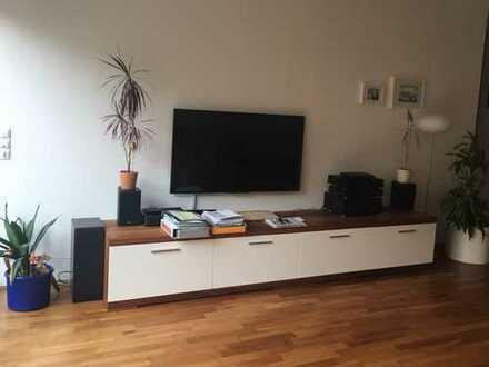 Schöne 4 ZKB Wohnung mit Einbauküche - 2 TG Stellplätze