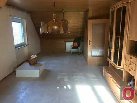 Die Gelegenheit für Eigennutzer - Gemütliche 3-ZKB Dachgeschosswohnung im 6-Familienhaus
