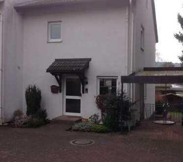 Doppelhaushälfte mit ELW in Bad Nauheim/Nieder-Mörlen