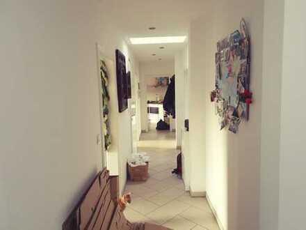Neuwertige 4-Zimmer-Dachgeschosswohnung mit Einbauküche in Oranienburg