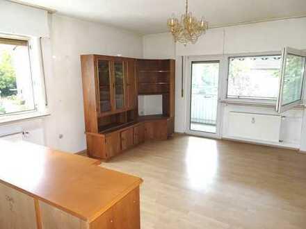 Sehr ruhige 2,5 ZKB im 3 - Familienhaus mit großem Balkon + Stellplatz