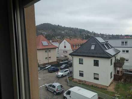 3-Zimmer-Dachgeschosswohnung in ruhigem Dreifamilienhaus