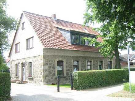 Attraktive schöne 2 1/2 Zimmerwohnung mit Dachstudio in der Altstadt von Fallersleben, WG geeignet.
