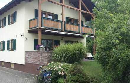 Einfamilienhaus 4,5 Zimmer mit großen Gartengrundstück und Garage zu verkaufen - auch für Bauträger