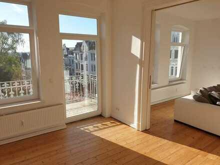 Schöne Altbau-Wohnung mit EBK und Balkon in Flensburg