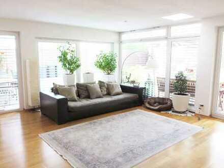 Großzügiges Einfamilienhaus mit sehr großem Garten in schöner Stadtlage!