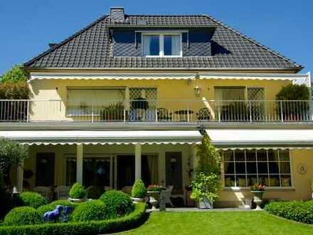 Elegante Villa in einmaliger Lage in Bonn-Rüngsdorf