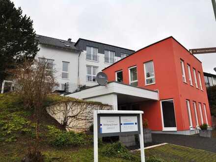 Sonnige und großzügige 4-Zimmer-Galerie -DG - Wohnung in Gusterath