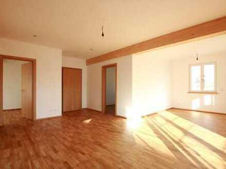 Erstbezug: 3,5 Zimmer, zentral, hell, hochwertig
