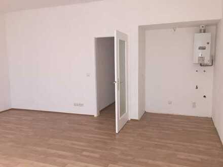 RENOVIERTE 1-ZIMMER-Wohnung   MG-ZENTRUM   330 €+NK   2.OG   DUSCHBAD   500m bis BAHNHOF