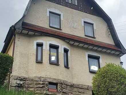 *Idyllisches Einfamilienhaus mit großem Garten und Terrasse in Mengersgereuth-Hämmern*
