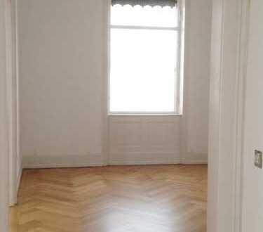 sanierte 3-Zimmer-Altbauwohnung - Nähe Marienplatz - zu vermieten
