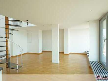 Ansprechende, helle 2-Zimmer-DG-Wohnung mit großer Dachterrasse und Tiefgaragenstellplatz