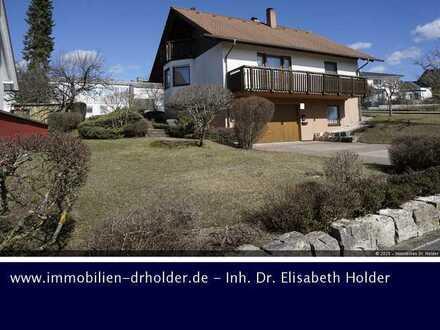 Albblick in Ortsrandlage, Einfamilienhaus mit Balkonen, Ausbaureserve & Garage! Kauf, Bad Urach