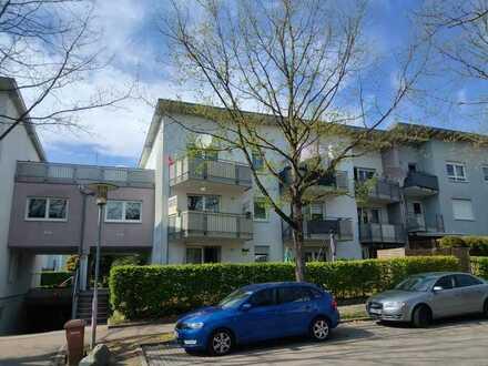Tolle Eigentumswohnung im DG mit grosser Sonnenterrasse und Balkon