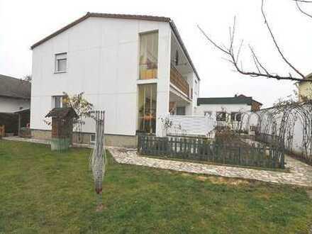 Großes Einfamilienhaus mit Einliegerwohnung in Ingolstadt OT Kothau