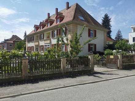 Exklusive, vollständig renovierte 4-Zimmer-Wohnung mit Balkon, Gartenanteil und EBK in Stockach