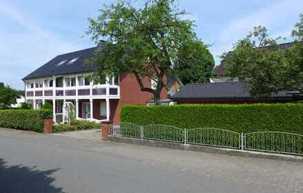Gepflegtes Zweifamilienhaus mit Einliegerwohnung und großem Garten