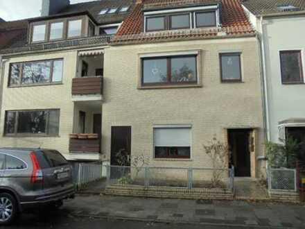 Bremer 1-2 Familienhaus mit Dachterrasse und Hofgarten in Hastedt